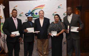 Ministerio de Cultura reconoce a pilares del carnaval dominicano