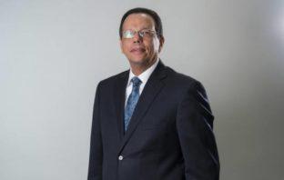 Antonio Peña Mirabal es contador y trabajó en el Ministerio de Educación.