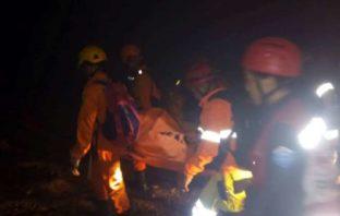Derrumbe de mina deja al menos seis fallecidos y decenas de personas atrapadas en Indonesia