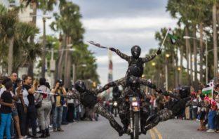 Fuerzas Armadas y PN realizan desfile en el malecón de SD
