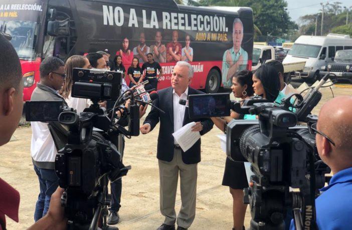 Antonio Taveras Guzmán durante rueda de prensa en el Centro de los Héroes (1)