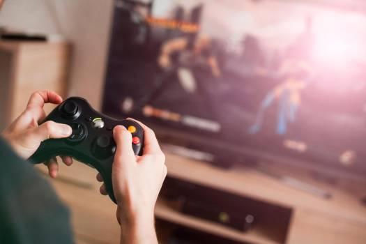 Niño de 11 años habría disparado a su padre por quitarle un videojuego
