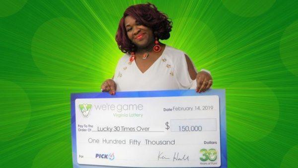La afortunada compró 30 billetes con la combinación numérica ganadora ese día, algo que tiene una probabilidad entre 100.000 de ocurrir.