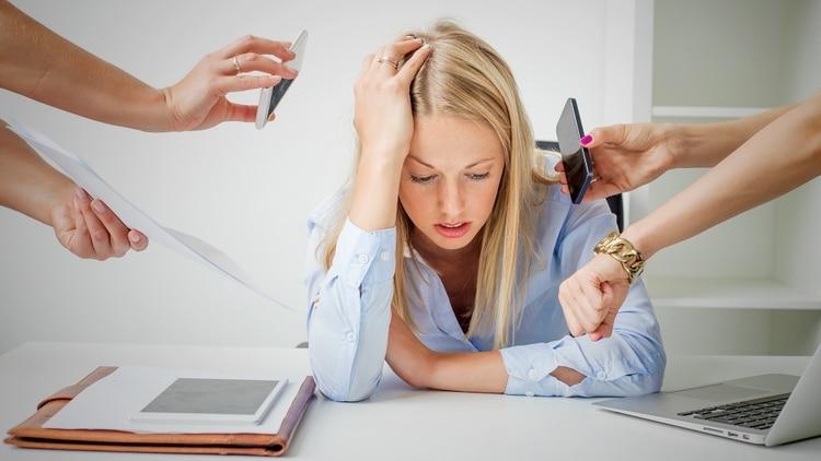 La persona no debe sobreestimar la capacidad de prestar atención a muchas situaciones al mismo tiempo