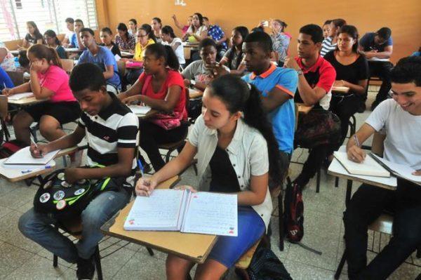 En la República Dominicana solo el 50% de estudiantes termina el bachillerato