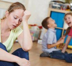 Estudio confirma que cuidar a los hijos resulta más agotador que trabajar