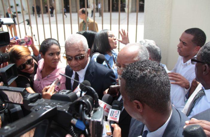 UASD condena agresión policial contra médicos visitan Congreso Nacional